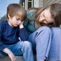 Повышенная чувствительность ребенка: что делать родителям?